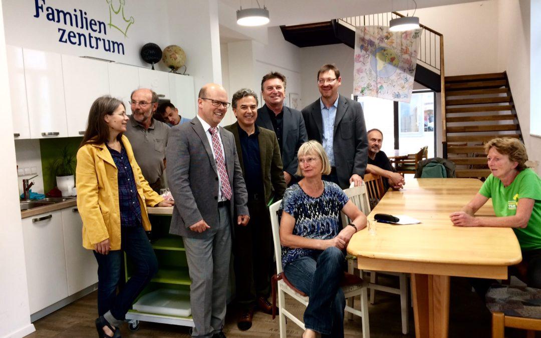 Minister für Soziales und Integration von Baden-Württemberg besucht Familienzentrum